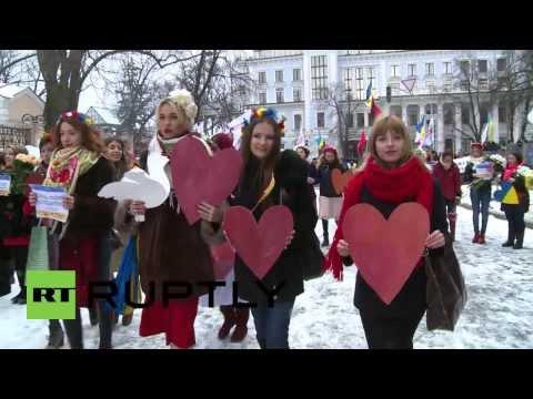 women activistsz with hearts ukraine